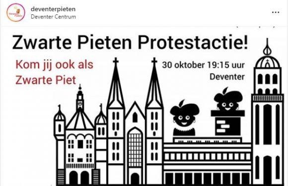 Protest tegen RoetveegPiet bij stadhuis van Deventer