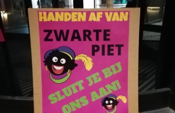 Protestactie bij gemeenten die Zwarte Piet in de ban doen